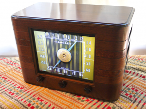crosley_radio_side_web